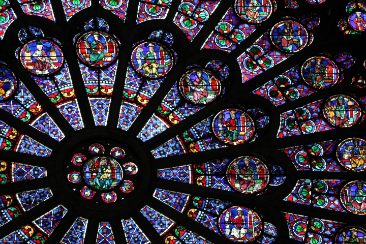 I really love this picture of the giant stained glass window that you can see in the front of the cathedral, at the center.