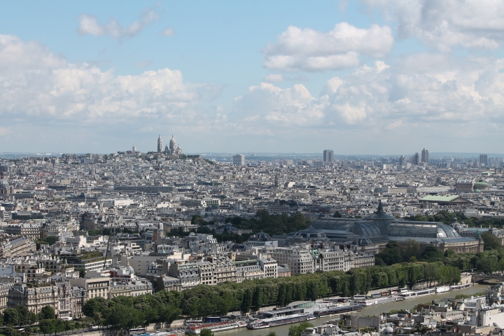 Looking northeast toward Le Sacre Coeur