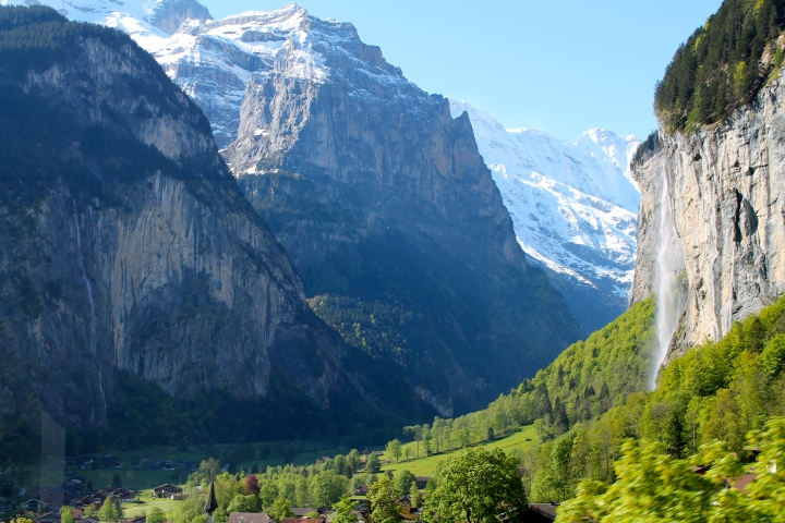 Staubbach Falls, overlooking Lauterbrunnen