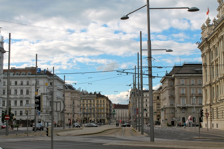 Main transportation intersection, Schwarzenburg Place